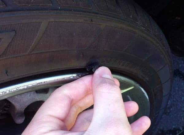 Cần kiểm tra lốp ô tô thường xuyên