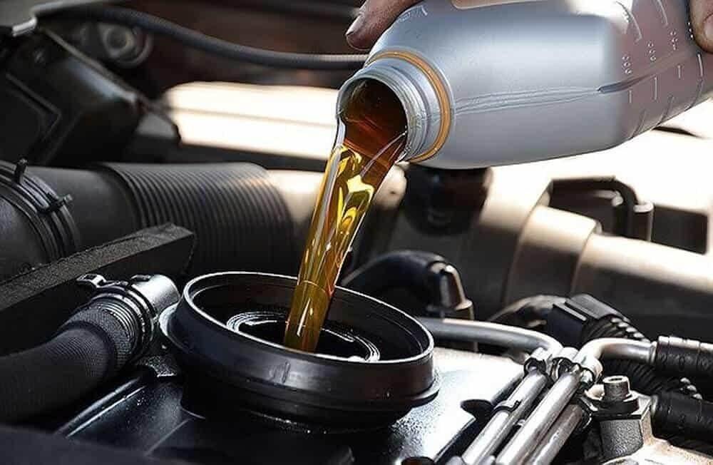 Dầu nhớt là bộ phận không thể thiếu trong hệ thống xe ô tô